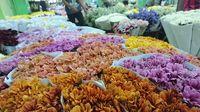 Warna-warni bunga di Pasar Bunga Rawa Belong