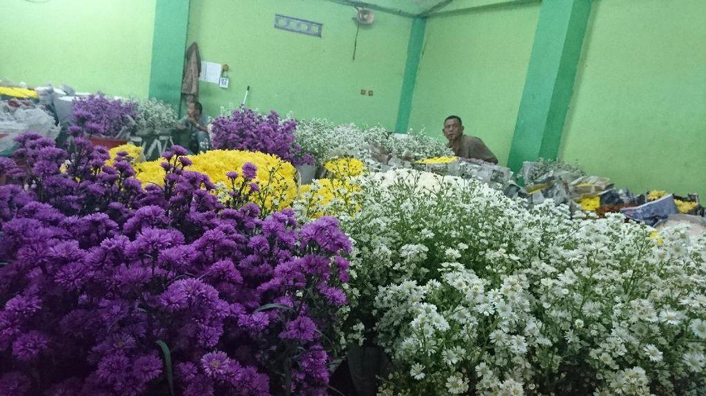 Pedagang Ngarep Order Karangan Bunga Zaman Ahok Terulang