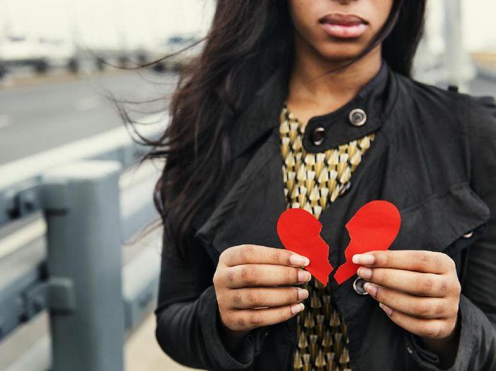 Sakit Hati Gebetan Pacaran Dengan Orang Lain Ini Kata Psikolog