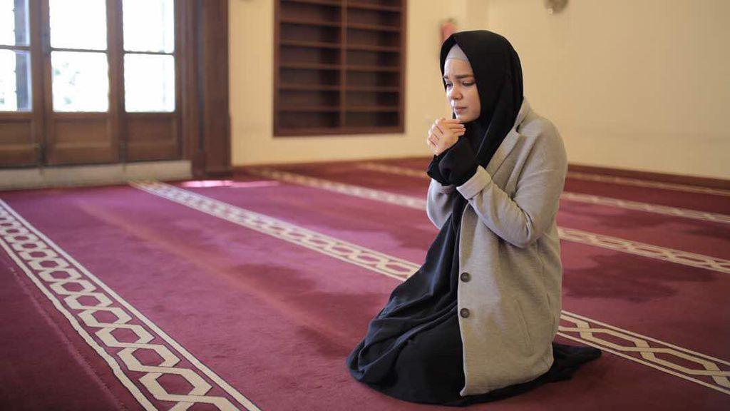Video: Ketika Dewi Sandra Menantang Tuhan dan Akhirnya Hijrah