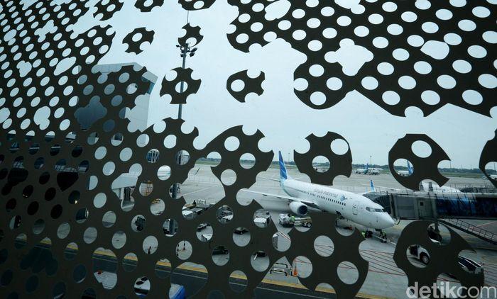 PT Garuda Indonesia Tbk akan melayani penerbangan internasional di Terminal 3 mulai 1 Mei mendatang. Jumlah penerbangan internasional Garuda Indonesia yang akan pindah ke Terminal 3 mencapai 26 penerbangan.