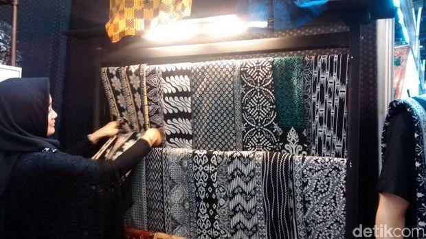 Kain batik Pekalongan-Antero Batik