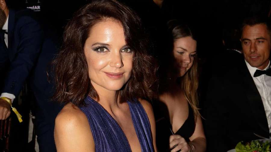 Sexy Lady, Katie Holmes Menawan di Sao Paulo