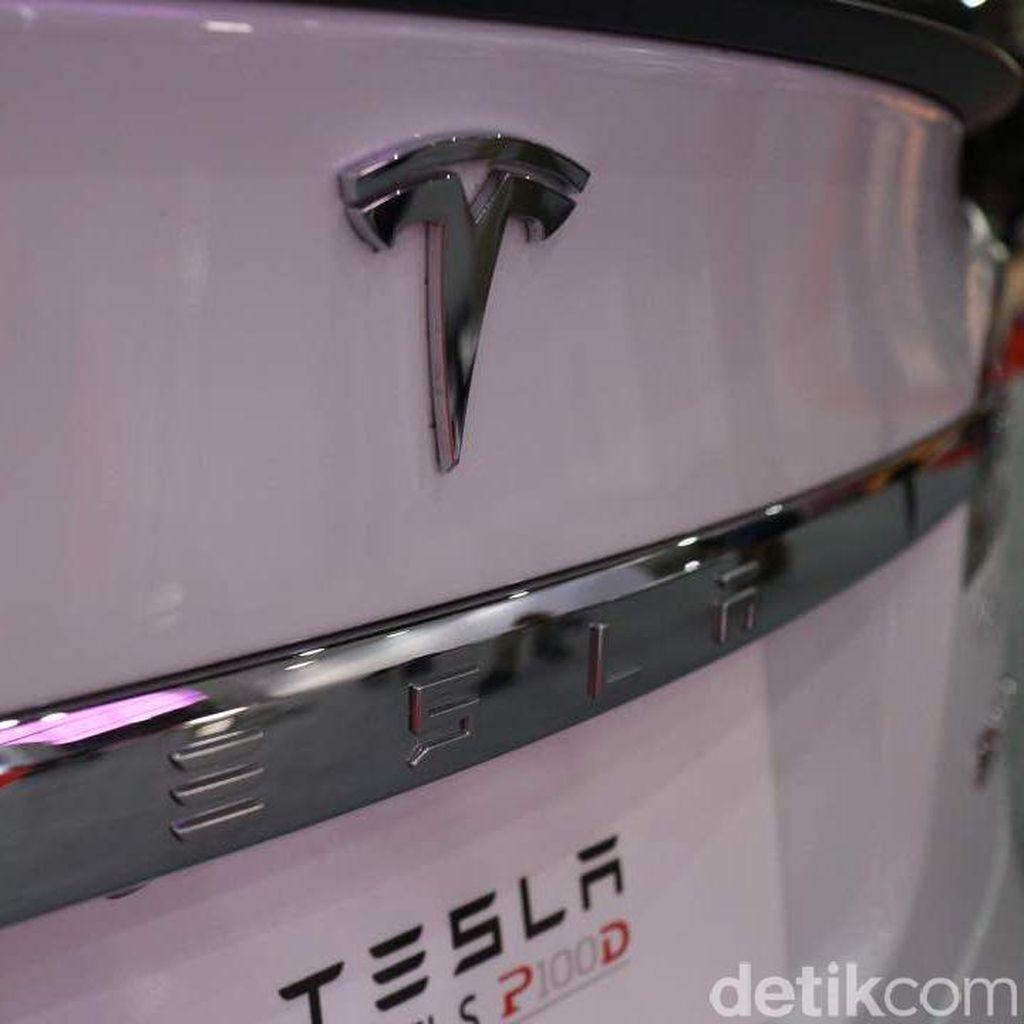 Mantan Karyawan Ungkap Sisi Lain Tesla