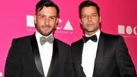 Ricky Martin Pamer Gendong Putri dari Kekasih Prianya