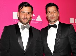 Ricky Martin Akui Telah Menikah dengan Kekasih Prianya