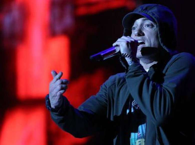 Eminem Serang Donald Trump Lewat Freestyle Rap
