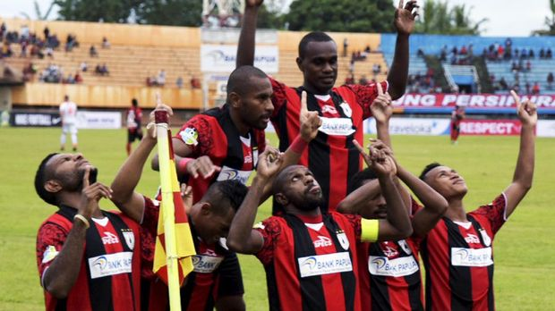 Boaz Solossa kembali mencetak gol untuk Persipura Jayapura. (
