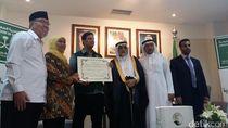 Jelang Ramadan, Kedubes Saudi Berikan 250 Ton Kurma untuk Indonesia