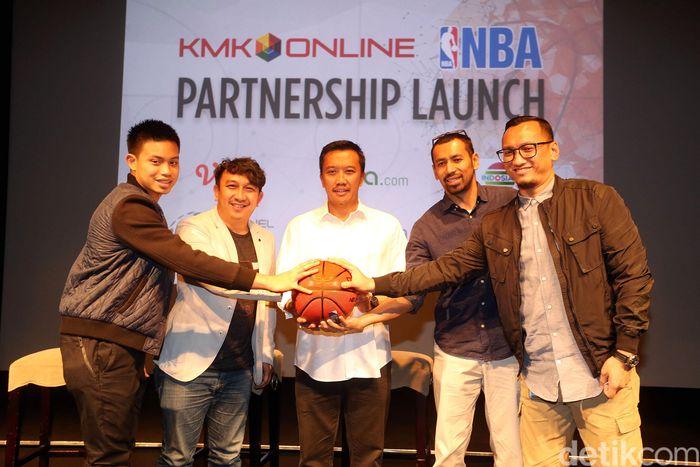 Menpora Imam Nahrawi hadir dalam acara perjanjian kerja sama Emtek Group dengan NBA di Jakarta.