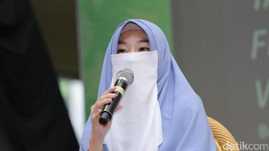 Larissa Chou, Menantu Ustad Arifin Ilham yang Kini Bercadar
