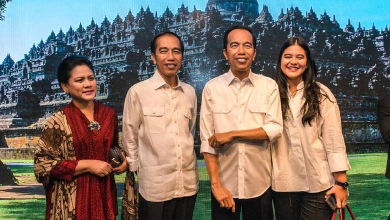 Keluarga presiden saat peresmian patung Jokowi (Madame Tussauds/Istimewa)