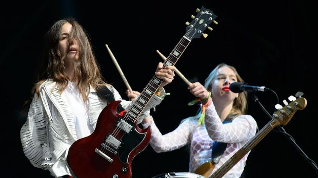 Perjuangan Haim Lawan Depresi dalam 'Now I'm In It'
