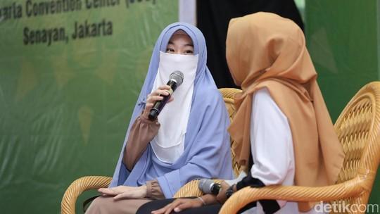 Kisah Larissa Chou Jadi Mualaf dan Dinikahi Putra Ustad Arifin Ilham