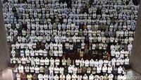 Penampakan ribuan umat muslim saat salat Jumat di Masjid Istiqlal, Jakarta, Jumat (5/5/2017).