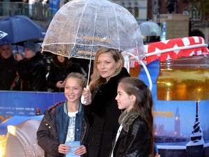 Perdana Jadi Model, Putri Kate Moss Jadi Kontroversi