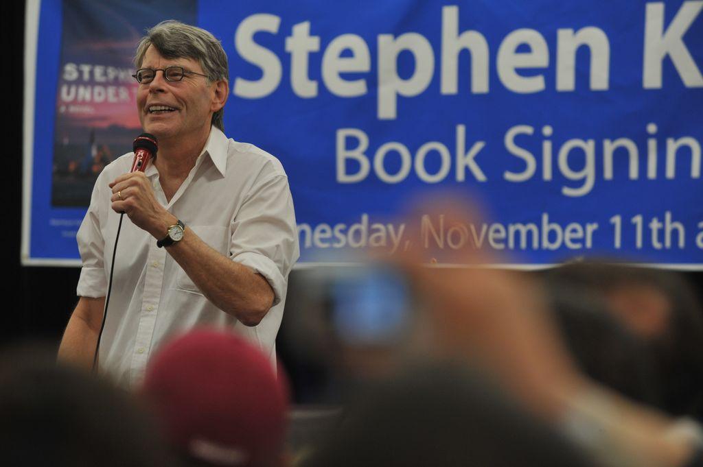 DUNDALK, MD - NOVEMBER 11:  Stephen King promotes