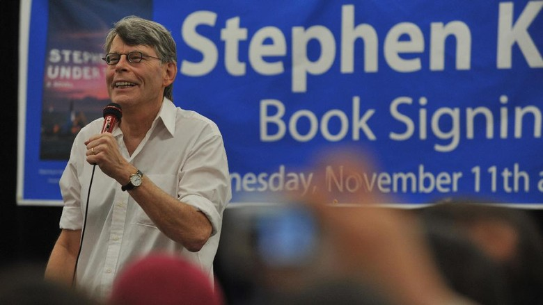 Stephen King Rencanakan Rilis Novella Elevation Oktober