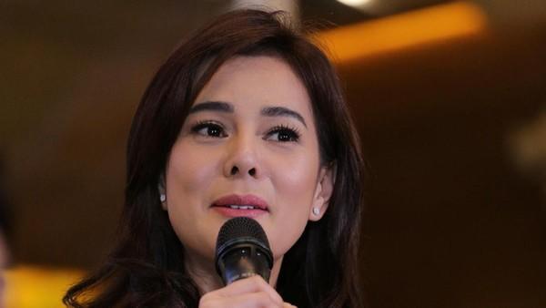 Perceraian Gading-Gisel Disebut di HUT Transmedia, Astrid Tiar Ikut Sedih