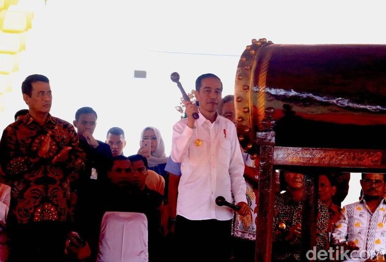 Pukul Tambo, Presiden Jokowi Buka Penas KTNA di Aceh