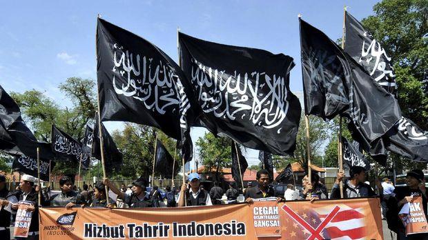 Para pendukung khilafah berdemo di depan kedubes AS, Jakarta, 9 Agustus 2008.