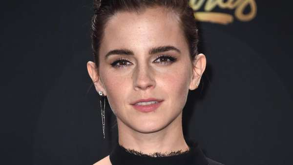 Senyum Semringah Emma Watson di MTV Movie and TV Awards 2017