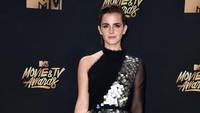 Ia terlihat cantik dan menawan dengan dress hitam-silver. Alberto E. Rodriguez/Getty Images/detikFoto.