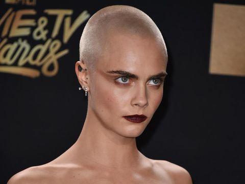 Cara Delevingne Ungkap Alasannya Botaki Rambut