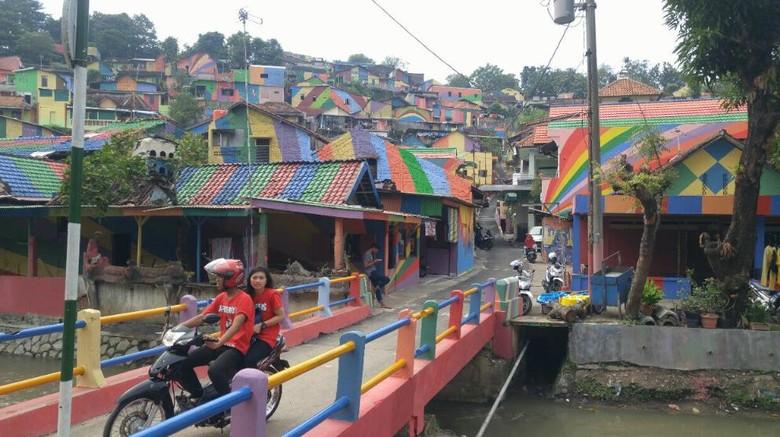 Foto: Kampung Pelangi di Semarang (Angling Adhitya Purbaya/detikTravel)