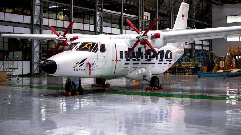 Pagi Ini Jokowi Beri Nama Pesawat N219