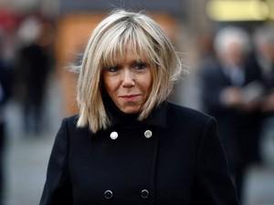 Foto: Istri Presiden Prancis Berusia 64 yang Disebut Barbie Menopause