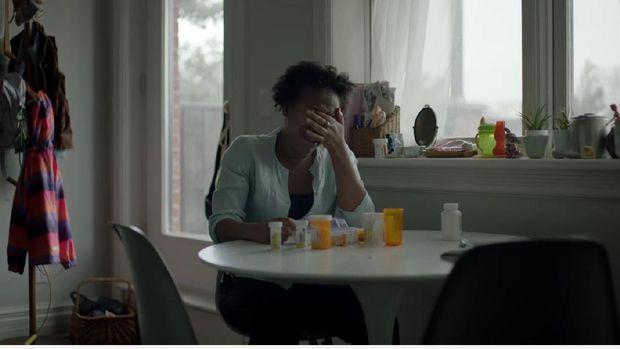Potret rapuh ibu saat merawat anaknya yang sakit