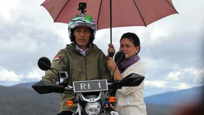 Presiden Jokowi bersama ibu negara. Foto: dok. PUPR