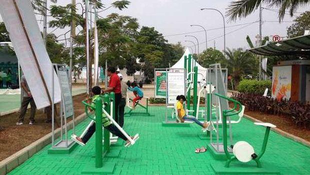 Gym gratis di Taman Waduk Pluit (Ray Jordan/detikTravel)