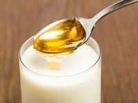 Tambahkan madu dengan air hangat.