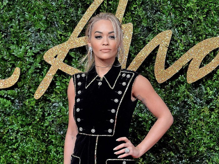 Rita Ora membekukan sel telurnya di usia muda. (Foto: Getty Images)
