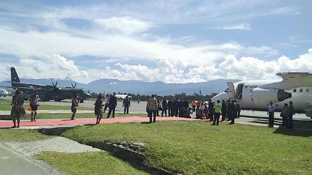 Presiden Jokowi berangkat menuju Wamena.