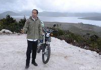Mengenal Tren Jaket TAD yang Dipopulerkan Jokowi Saat ke Papua
