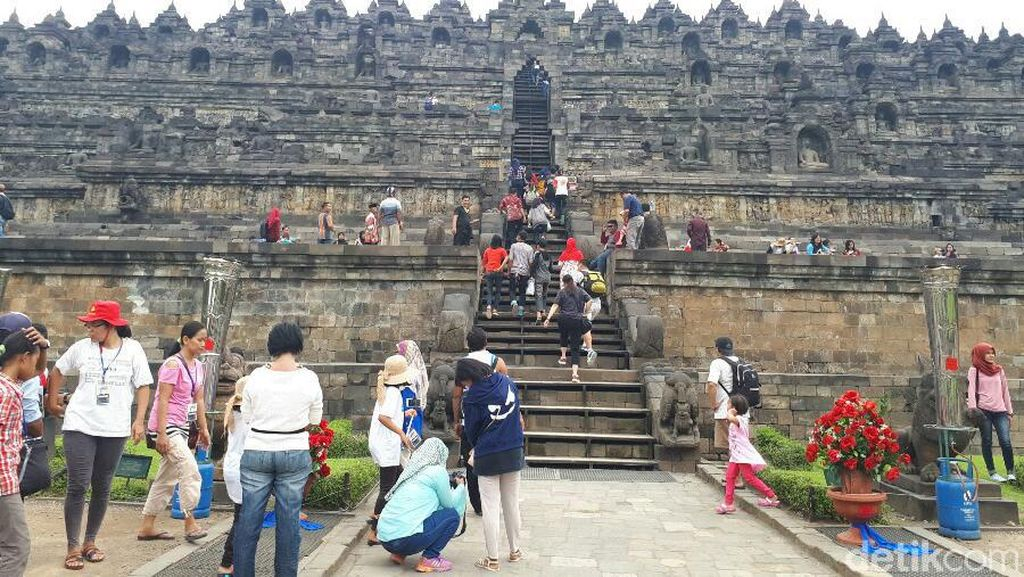 Ini Tempat Terbangkan Lampion Waisak di Candi Borobudur Malam Ini