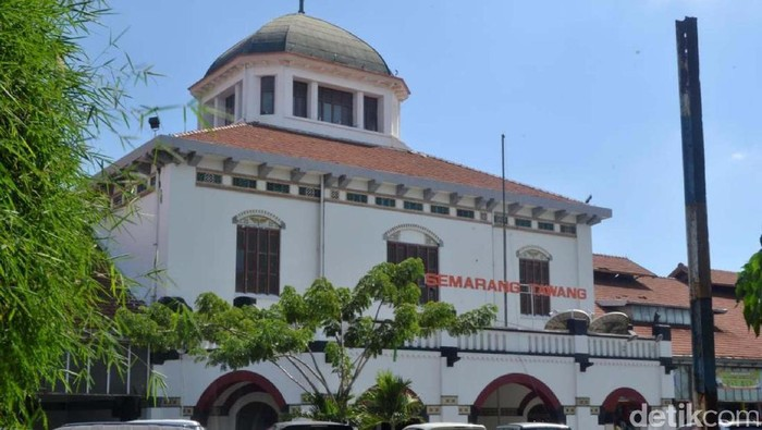 Stasiun Kereta Api (KA) Tawang, Semarang