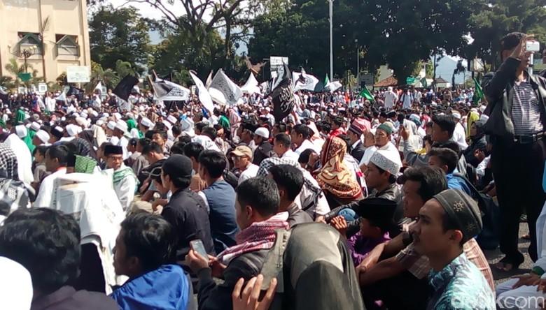 Tablig Akbar di Garut, Massa Doakan Indonesia Damai dan Aman