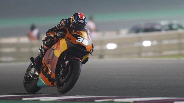 Bradley Smith saat masih membalap di tim KTM Red Bull. (