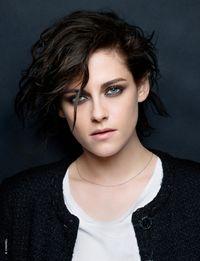 Sisi Misterius Kristen Stewart di Iklan Chanel Terbaru