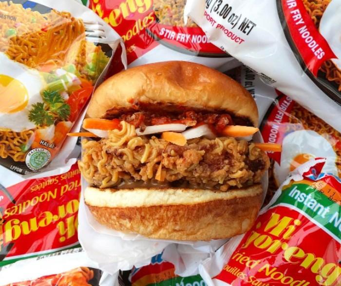 Hasil gambar untuk indomie burger