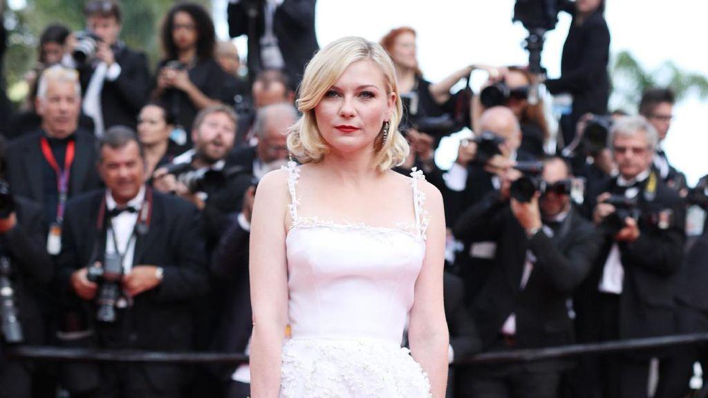 Terungkap, Alasan Kirsten Dunst Tiba-tiba Nangis di Karpet Merah Cannes