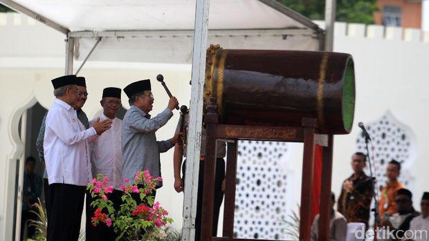 Wapres Jusuf Kalla meresmikan wajah baru Masjid Raya Baiturrahman Aceh, Sabtu (13/5/2017)