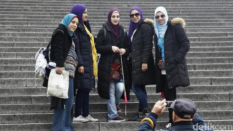 ILustrasi wisatawan musllim (Agung Pambudhy)
