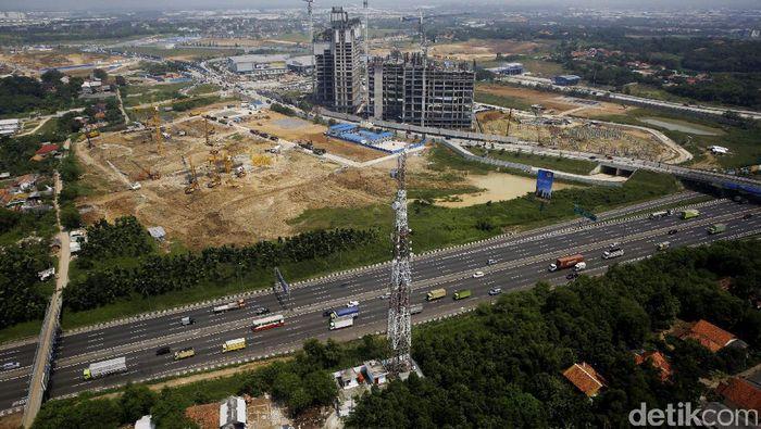 Pembangunan Kota Baru Meikarta di Cikarang terus dikebut. (Foto: Rachman Haryanto)