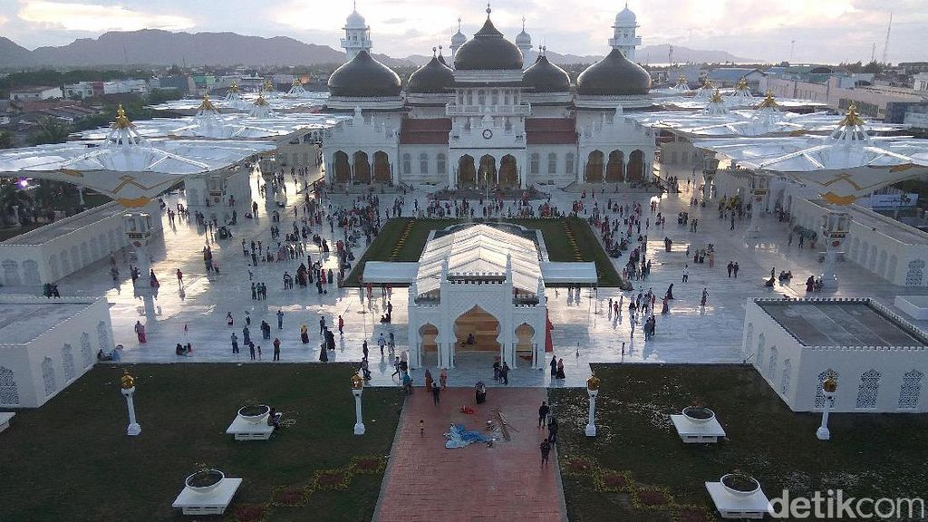 Pemkot Tolak Izin Hotel Berbintang di Sebelah Masjid Raya Aceh