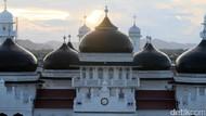 Ulama Aceh Bolehkan Salat Tarawih di Masjid, Larang Bukber-Sahur On The Road